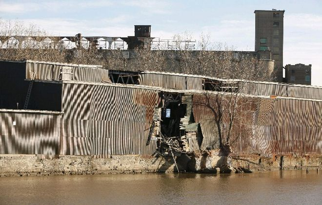 Preservations want to save the Erie Freight House on the Buffalo River, while developer Samuel J. Savarino wants to tear it down and build apartments and condos.