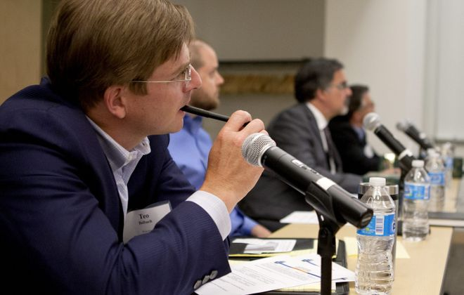 Entrepreneurs wanting to launch life-sciences and high-tech companies give presentations and get advice from business and legal experts during practice sessions Thursday.