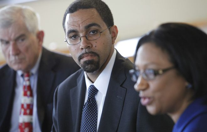 State Education Commissioner John B. King Jr. and Buffalo School Superintendent Pamela C. Brown need to sit down and work out their differences.