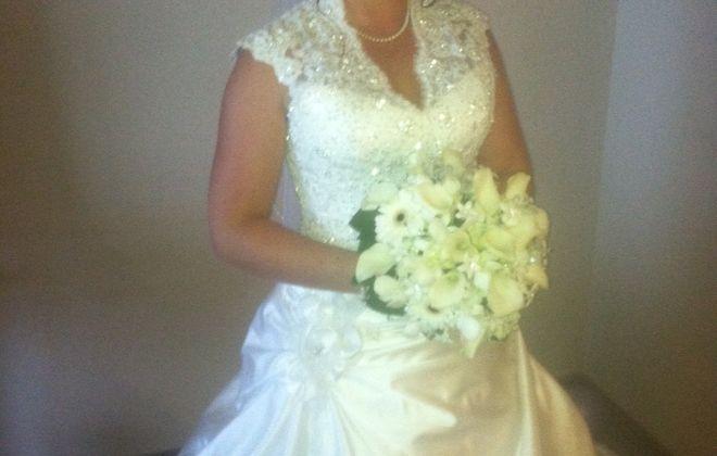 Theresa Reap and David Pickens are wed in Cheektowaga