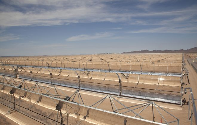 Arizona Public Service uses a 3-square-mile wide field of parabolic mirrors that gather sunlight for later use as electricity to meet the needs of more than 70,000 Arizona homes. Solana, the new solar project, experiments with new ways to store the sun's light as heat, converting it into electricity before dawn and after dusk.