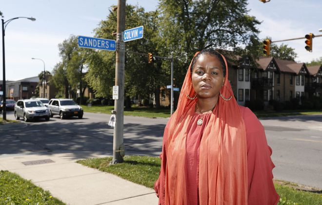 Jeanneie Muhammad had a pistol pulled on her as she and Jeffrey Calhoun struggled over her purse after a minor fender bender at this North Buffalo intersection. After he was found guilty of menacing, prosecutors want his pistol permit revoked. (Sharon Cantillon/News file photo)