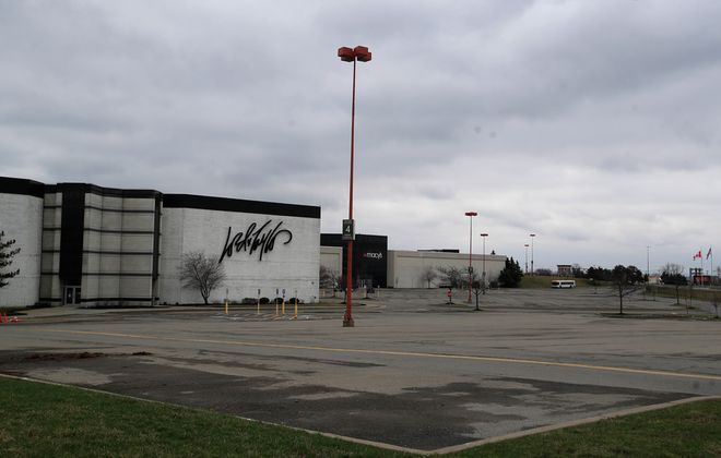 Lord & Taylor is preparing to liquidate its stores, according to reports. (Harry Scull Jr./News file photo)