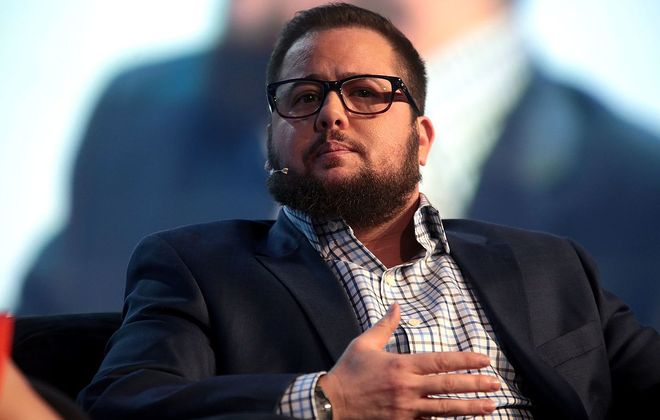 Chaz Bono speaks at a conference in 2017 in Phoenix, Ariz. (Photo by Gage Skidmore).