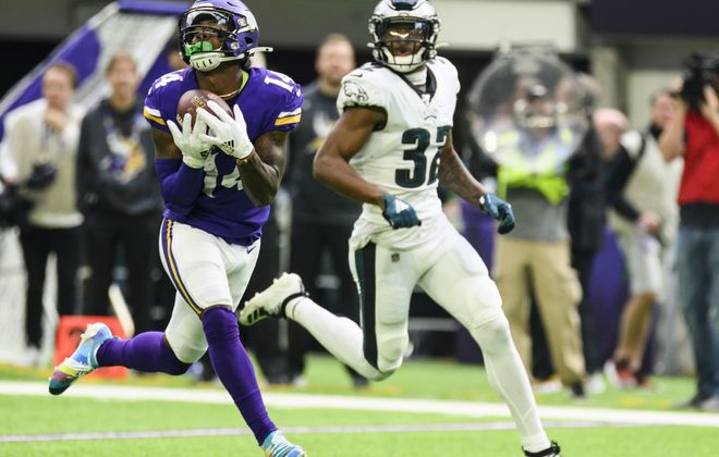 Stefon Diggs catches a 62-yard TD pass against the Eagles in 2019. (Getty Images)