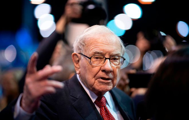 Warren Buffett, CEO of Berkshire Hathaway, speaks to the press as he arrives at the 2019 annual shareholders meeting in Omaha, Neb., May 4, 2019. (Johannes Eisele/AFP via Getty Images)