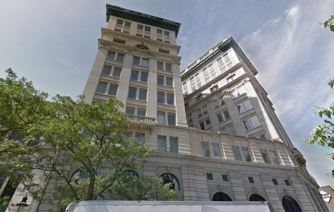 Washington developer Douglas Jemal is buying M&T Bank Corp.'s regional headquarters building in downtown Syracuse. (Google)