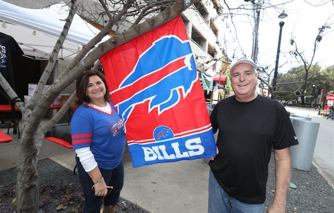 Buffalo Bills fans take over Houston street near tailgate bar