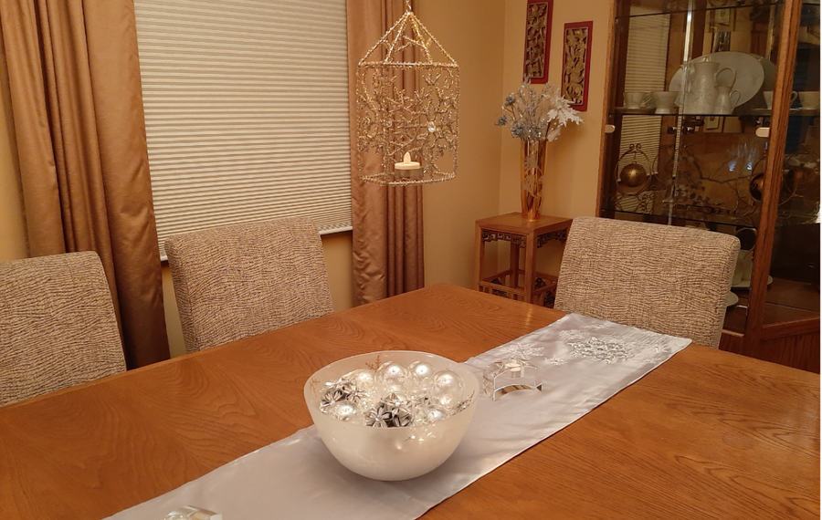 The dining room at the Mucha home in Lockport sparkles with  wintry decor. (Photo courtesy Mucha family)