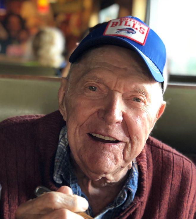 Paul B. McGavis, 94, telephone company switchman, union leader