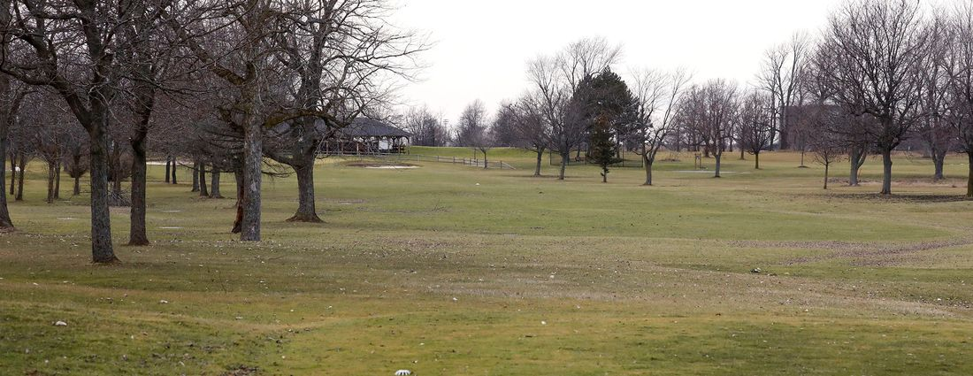 The 18th hole at the Amherst Audubon Golf Course. (Derek Gee/Buffalo News)