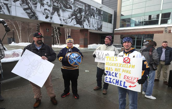 A group of unhappy Sabres fans came to Alumni Plaza on Saturday to express their frustration with the team. (John Hickey/Buffalo News)