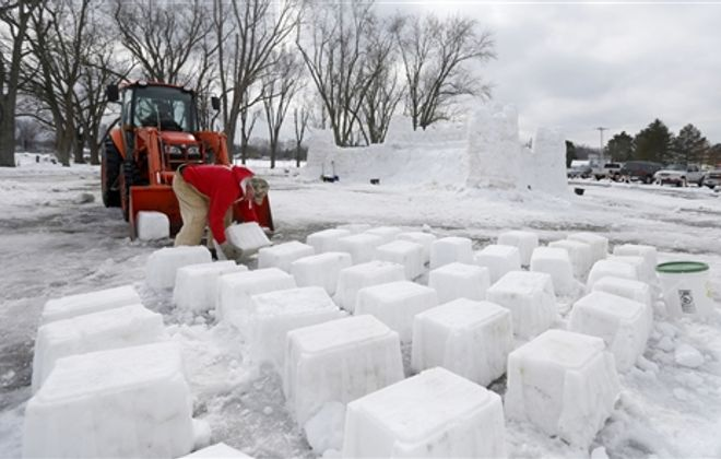 A community effort: Building the Mayville Ice Castle