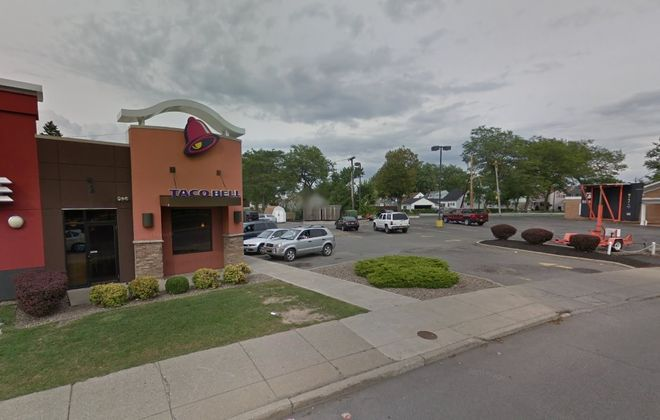 The franchisee for the Taco Bell and KFC restaurant on Abbott Road in South Buffalo wants to separate the two restaurants by replacing the former Amigone funeral home next door to the right with a new Taco Bell restaurant and drive-thru. (Google)