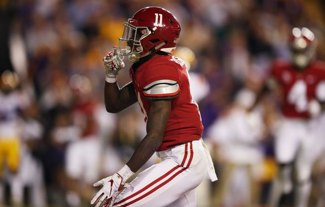 Henry Ruggs of the Alabama Crimson Tide celebrates his touchdown in the first quarter against LSU at Tiger Stadium on Nov. 3, 2018. (Getty Images)