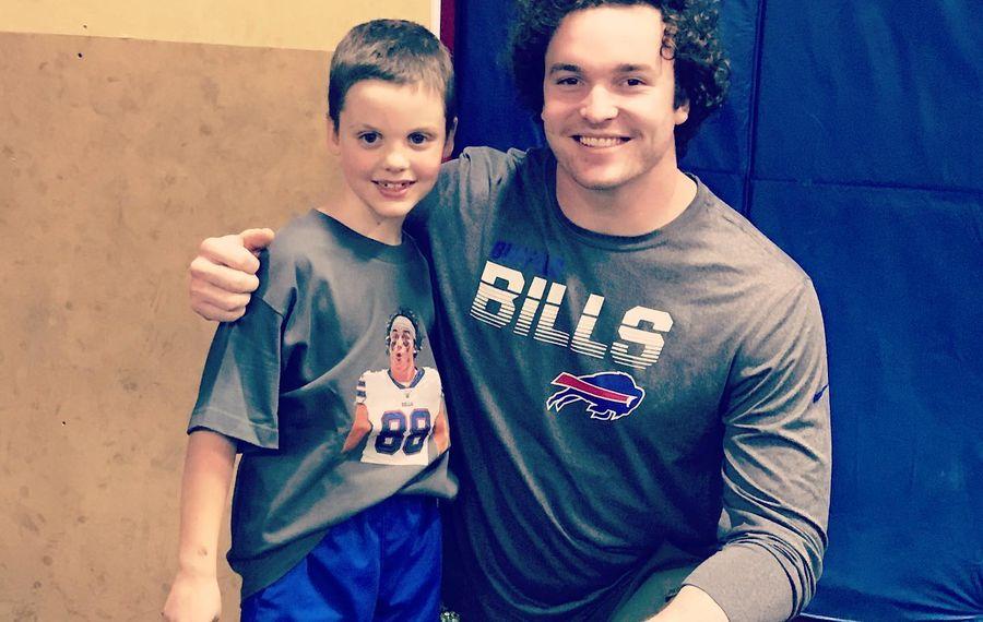 Bills' Dawson Knox surprises birthday boy who raised money for tight end's favorite charity