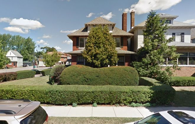 Jewish Family Services is trying to buy the former Reger Funeral Home at Main Street and HIghgate Avenue, to expand its counseling and outreach services. (Google)