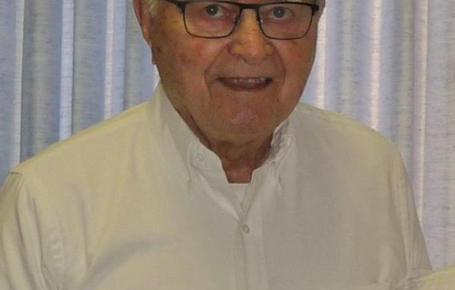 Bruce D. Burr, 87, longtime principal of Smallwood Elementary School in Snyder