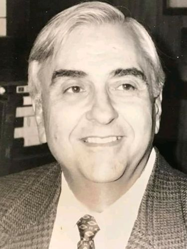 Dr. Conrad F. Toepfer III, 86, founding father of the middle school movement