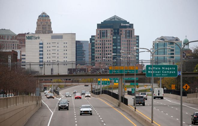 A view of Route 33 outbound as seen from the Jefferson Avenue bridge in Buffalo during  rush hour on Thursday, May 14. (Robert Kirkham/Buffalo News)