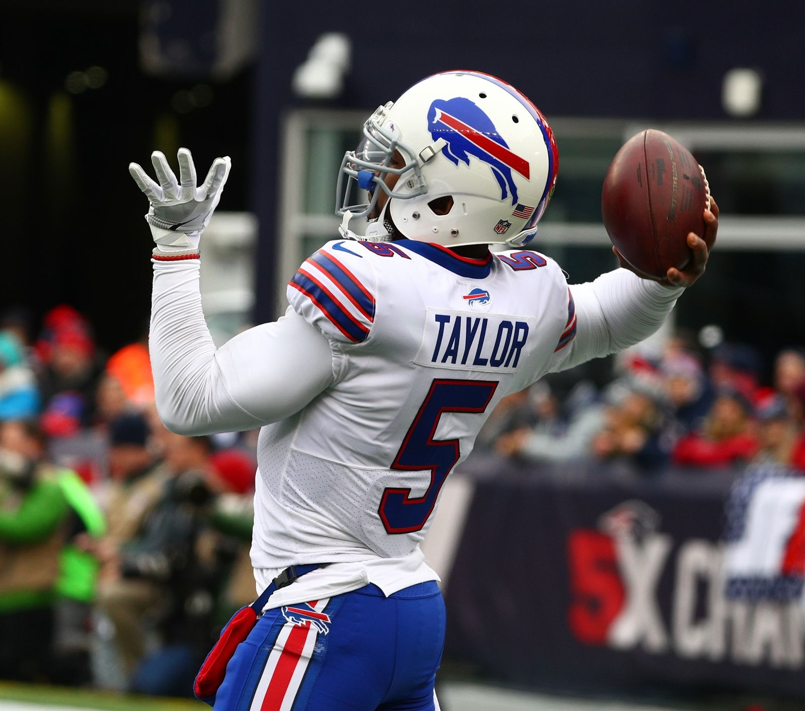 Bills quarterback Tyrod Taylor throws a pass during warmups on Sunday, Dec. 24, 2017, at Gillette Stadium in Foxborough, Mass.