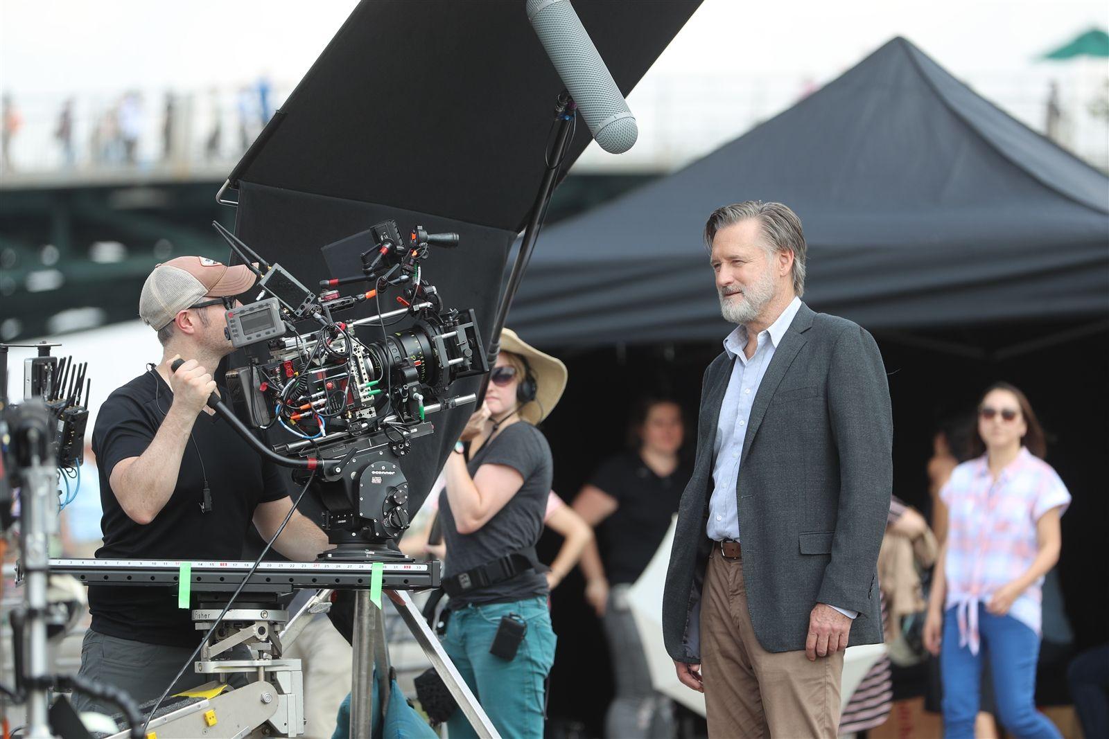 Bill Pullman and crew on set.