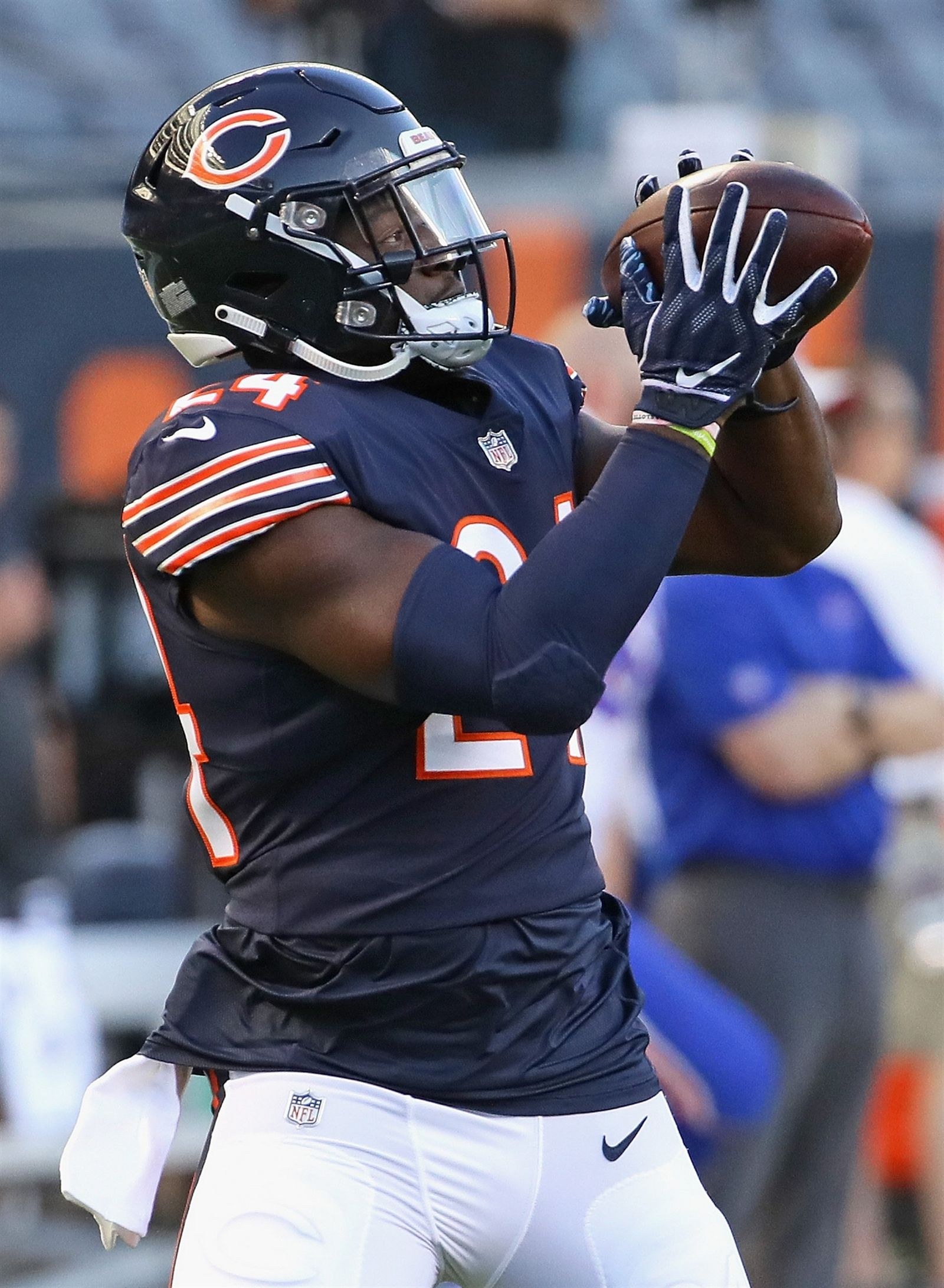 Jordan Howard of the Chicago Bears participates in warm-ups before a preseason game against the Buffalo Bills at Soldier Field on August 30, 2018 in Chicago, Illinois.