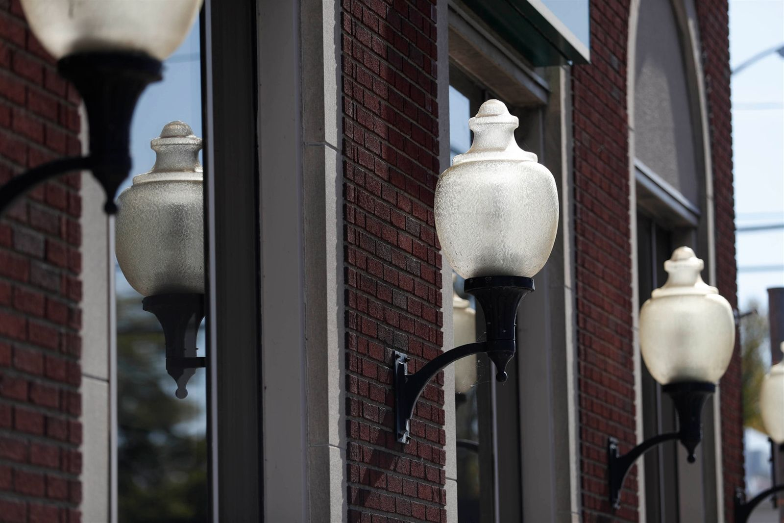Lamps along the exterior of M&T Bank on Main Street.